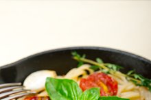 spaghetti pasta with baked tomatoes 033.jpg
