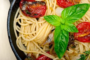 spaghetti pasta with baked tomatoes 035.jpg