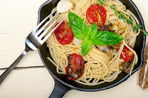 spaghetti pasta with baked tomatoes 037.jpg