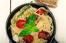 spaghetti pasta with baked tomatoes 042.jpg