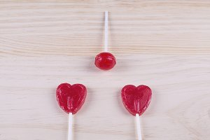 Ball lollipop with heart-shaped