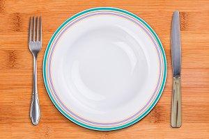 Empty cutlery set