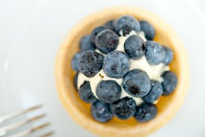 blueberries and cream cupcake pastry 027.jpg