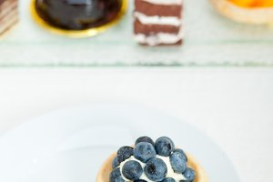 blueberries and cream cupcake pastry 002.jpg