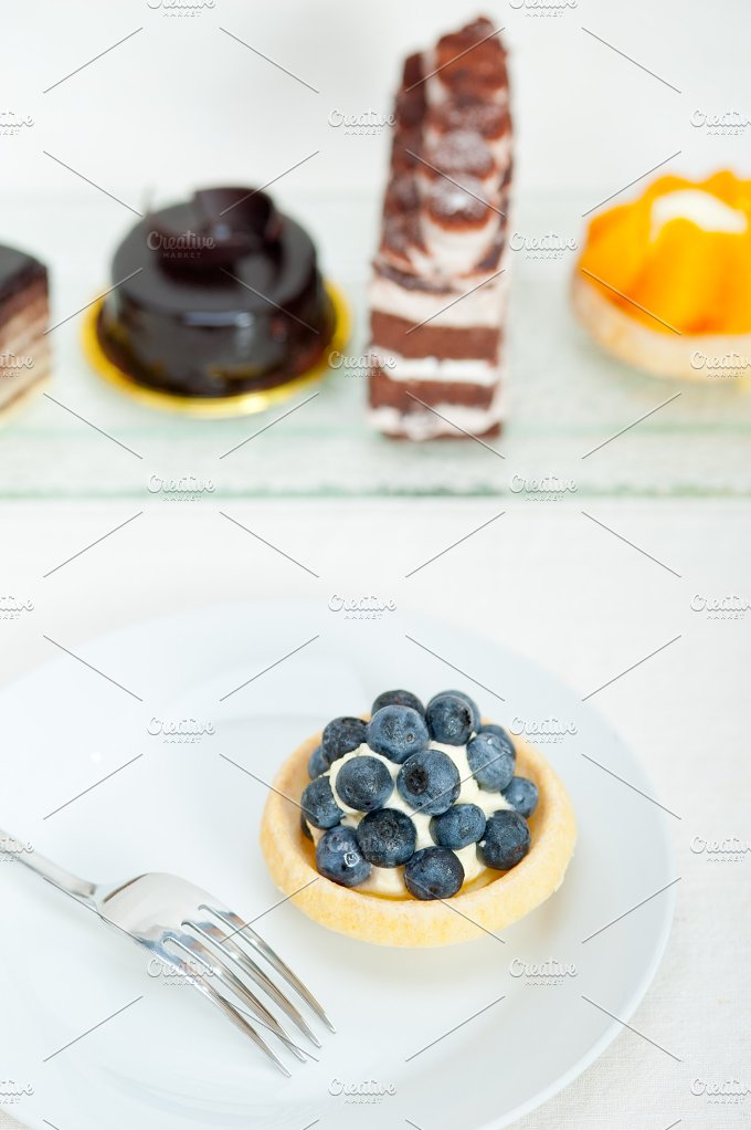 blueberries and cream cupcake pastry 002.jpg - Food & Drink