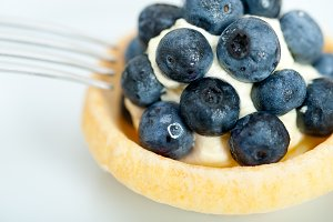 blueberries and cream cupcake pastry 010.jpg