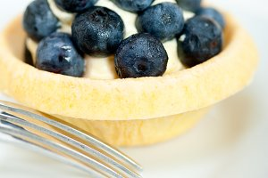 blueberries and cream cupcake pastry 014.jpg