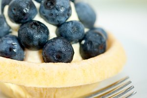 blueberries and cream cupcake pastry 013.jpg