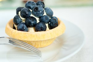 blueberries and cream cupcake pastry 015.jpg