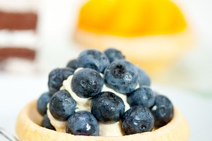 blueberries and cream cupcake pastry 020.jpg