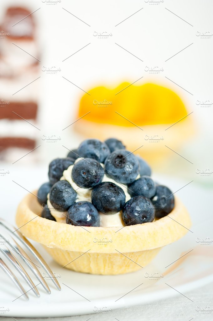 blueberries and cream cupcake pastry 020.jpg - Food & Drink