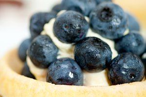 blueberries and cream cupcake pastry 021.jpg