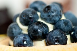blueberries and cream cupcake pastry 024.jpg