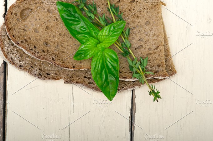 bread basil and thyme 005.jpg - Food & Drink