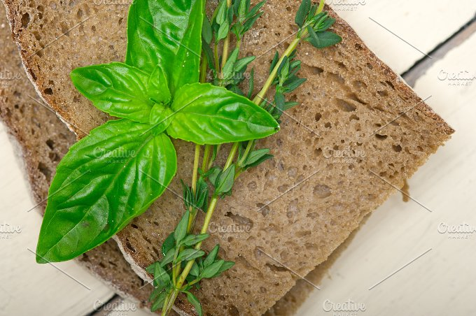 bread basil and thyme 003.jpg - Food & Drink