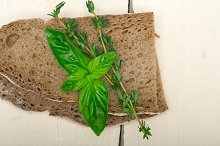 bread basil and thyme 007.jpg