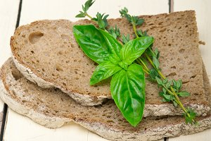 bread basil and thyme 002.jpg