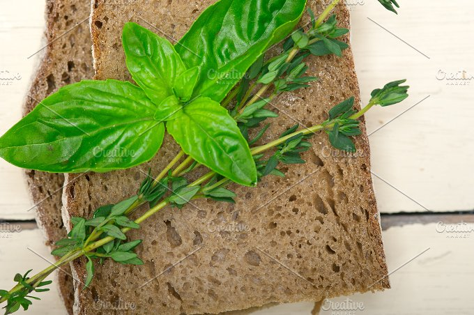 bread basil and thyme 004.jpg - Food & Drink