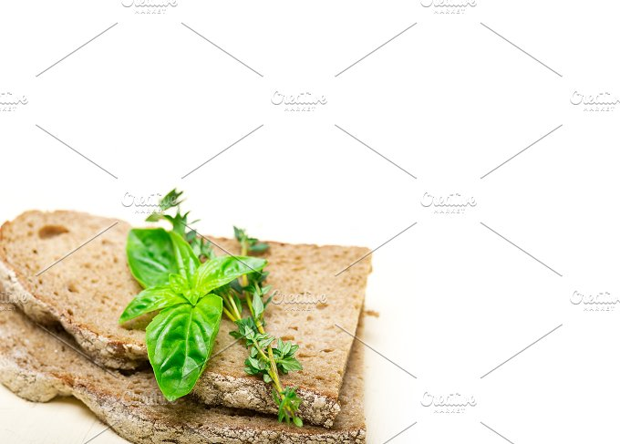 bread basil and thyme 010.jpg - Food & Drink