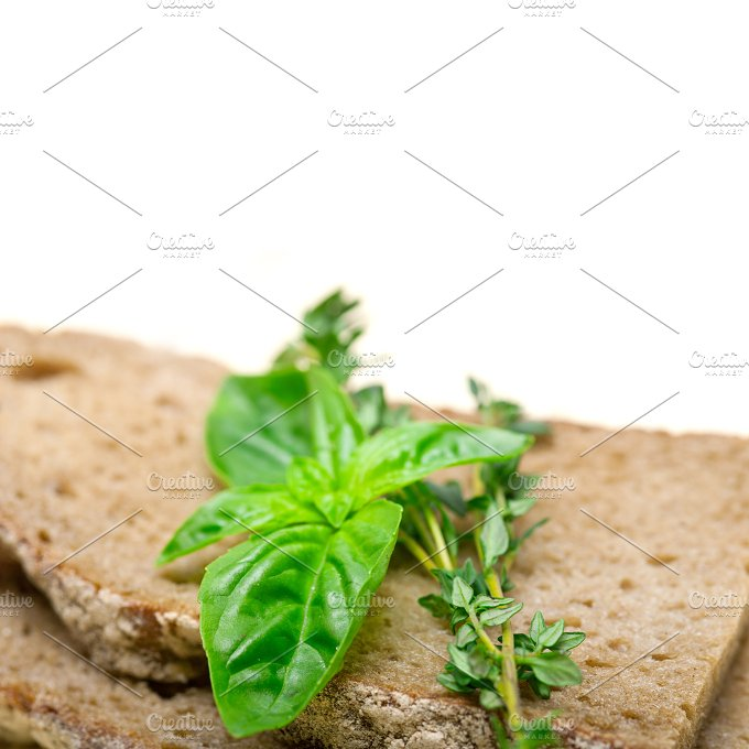 bread basil and thyme 009.jpg - Food & Drink