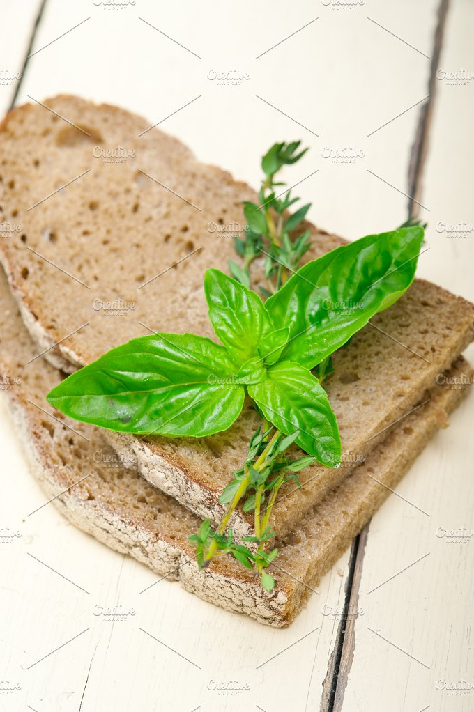 bread basil and thyme 014.jpg - Food & Drink