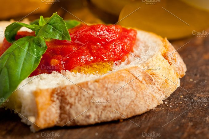 bruschetta 008.jpg - Food & Drink