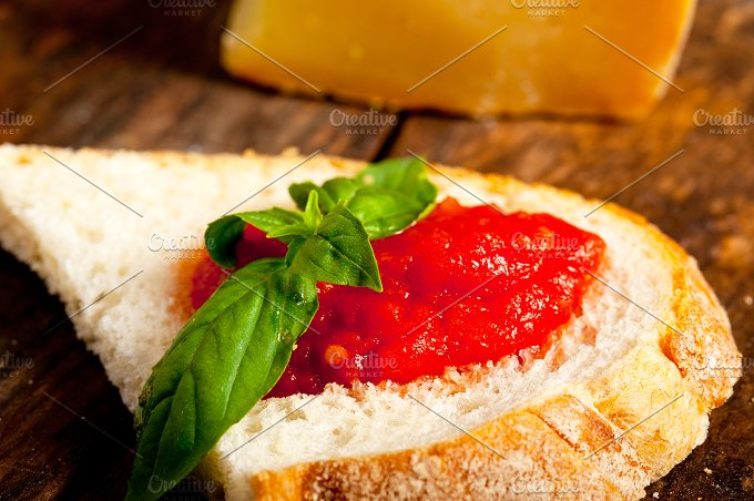 bruschetta 005.jpg - Food & Drink