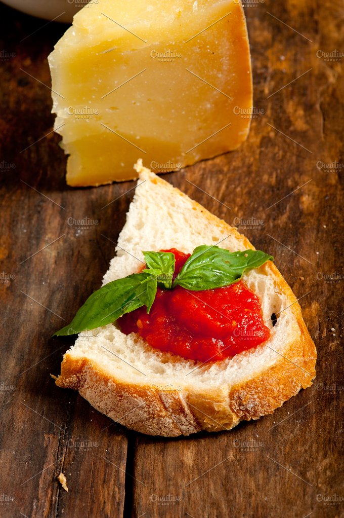 bruschetta 002.jpg - Food & Drink
