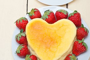 heart shape cheesecake and strawberries 002.jpg