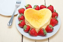 heart shape cheesecake and strawberries 003.jpg
