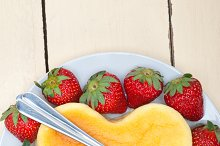 heart shape cheesecake and strawberries 011.jpg