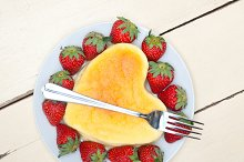 heart shape cheesecake and strawberries 017.jpg