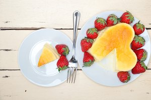 heart shape cheesecake and strawberries 024.jpg