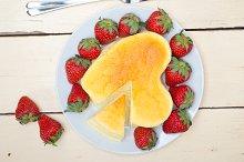 heart shape cheesecake and strawberries 021.jpg