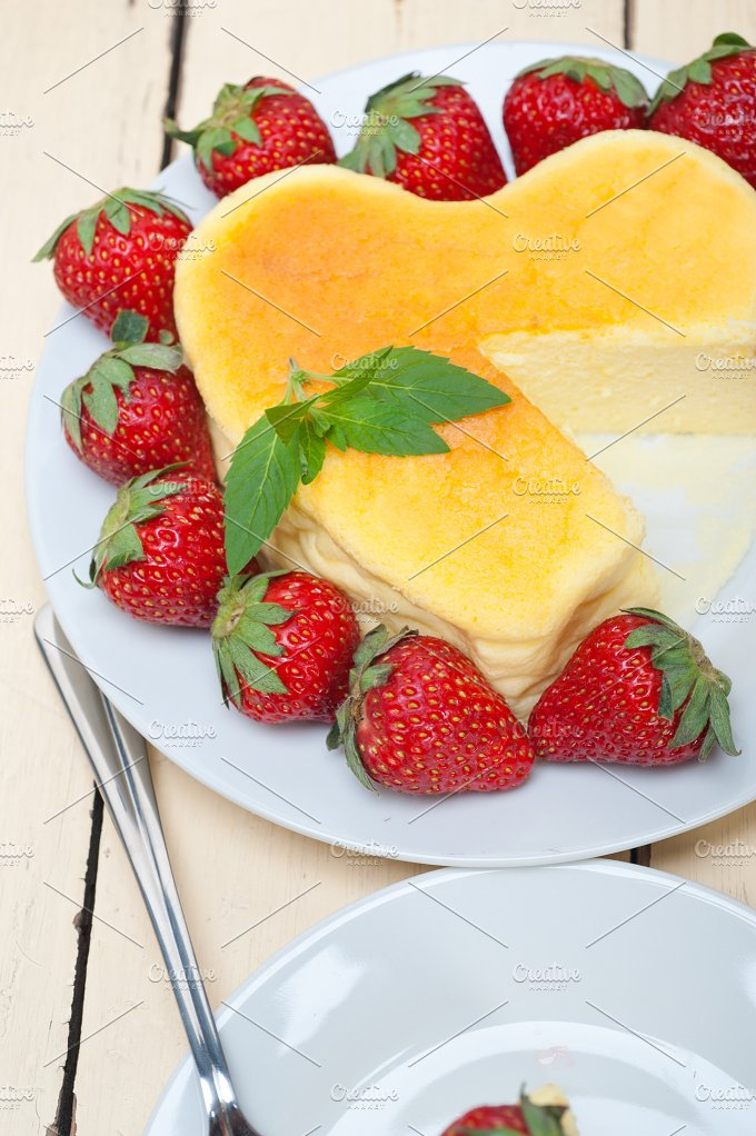 heart shape cheesecake and strawberries 047.jpg - Food & Drink