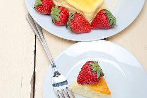 heart shape cheesecake and strawberries 032.jpg