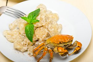 Italian crab and basil gnocchi 001.jpg