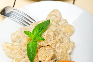 Italian crab and basil gnocchi 003.jpg