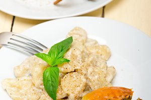 Italian crab and basil gnocchi 002.jpg