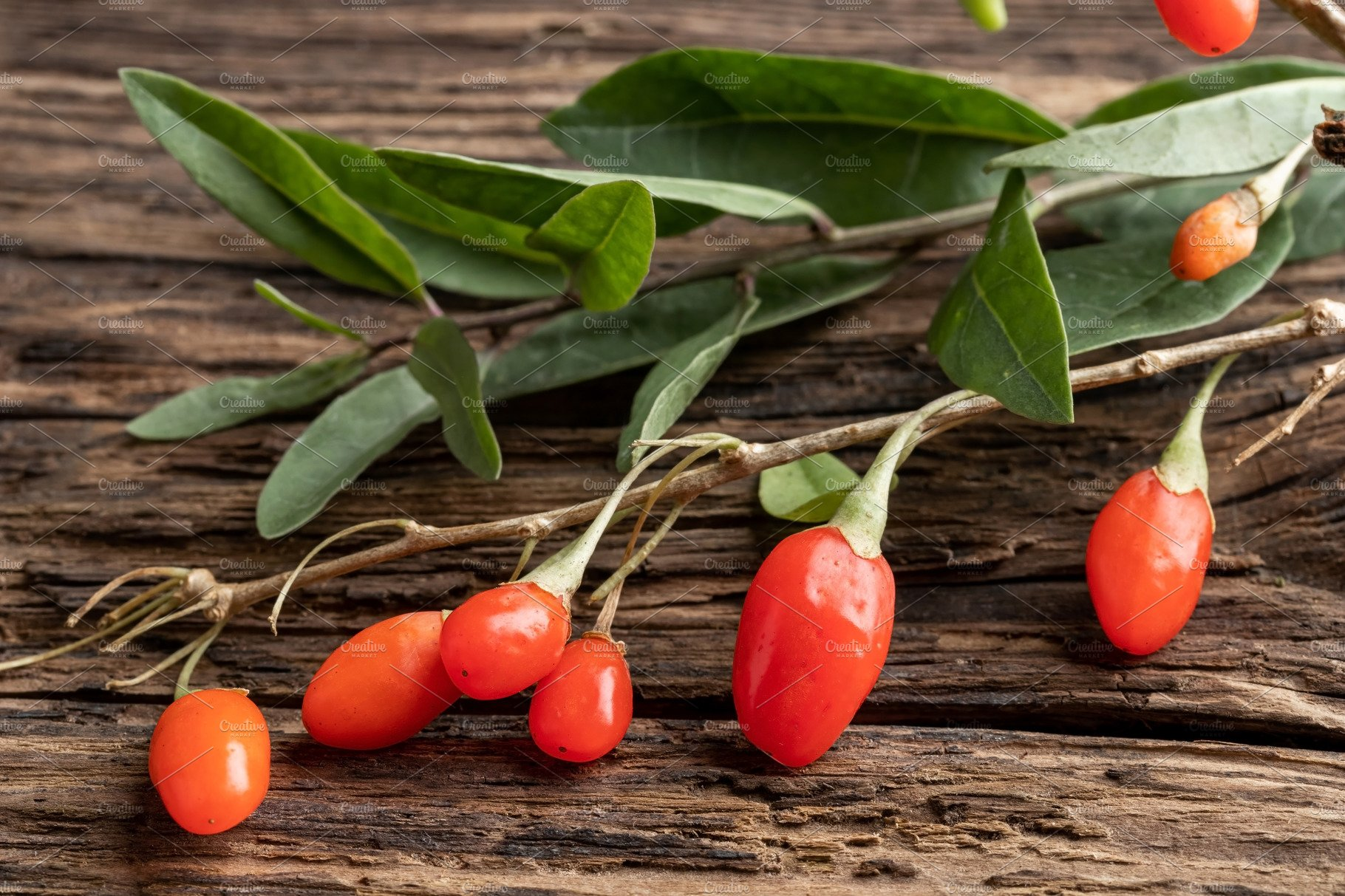 Fresh Goji Berries With Leaves On A High Quality Food Images