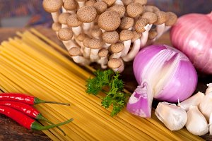 Italian pasta and mushrooms sauce ingredients 005.jpg