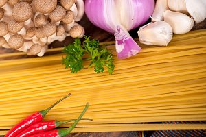 Italian pasta and mushrooms sauce ingredients 004.jpg