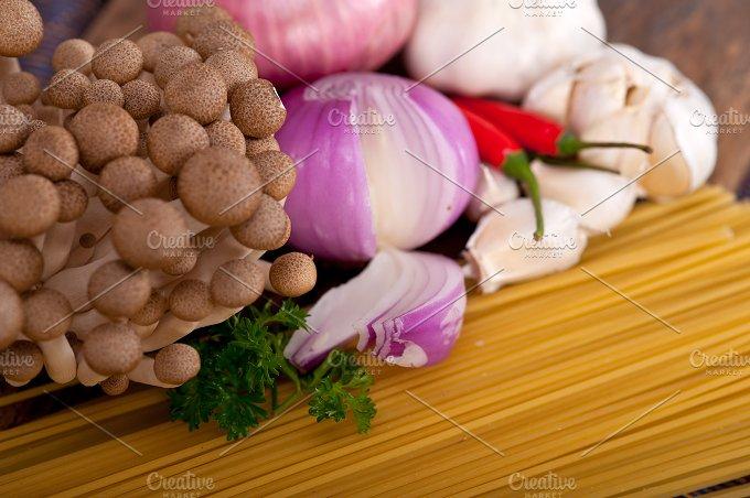 Italian pasta and mushrooms sauce ingredients 016.jpg - Food & Drink