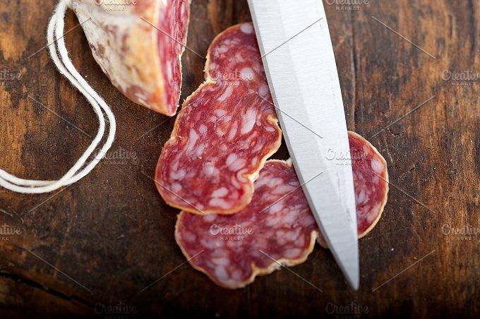 Italian salame pressato slicing 007.jpg - Food & Drink