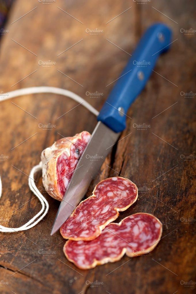 Italian salame pressato slicing 008.jpg - Food & Drink
