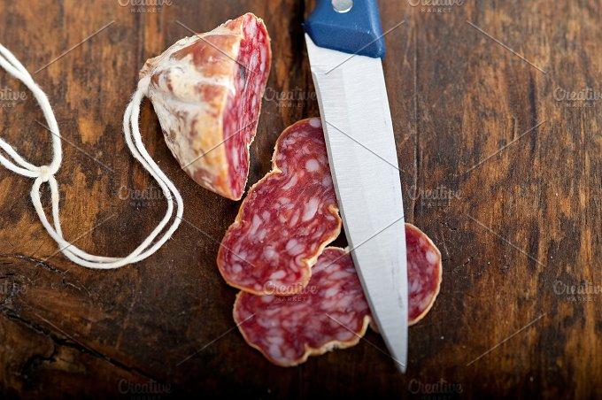 Italian salame pressato slicing 006.jpg - Food & Drink