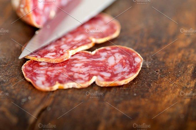Italian salame pressato slicing 011.jpg - Food & Drink