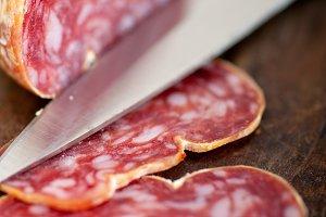 Italian salame pressato slicing 014.jpg