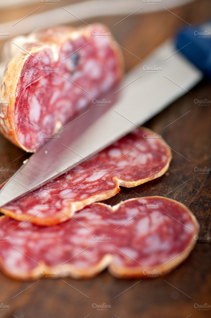 Italian salame pressato slicing 014.jpg - Food & Drink