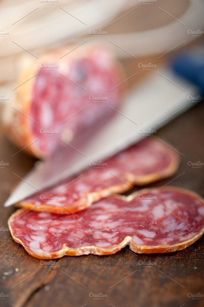 Italian salame pressato slicing 015.jpg - Food & Drink